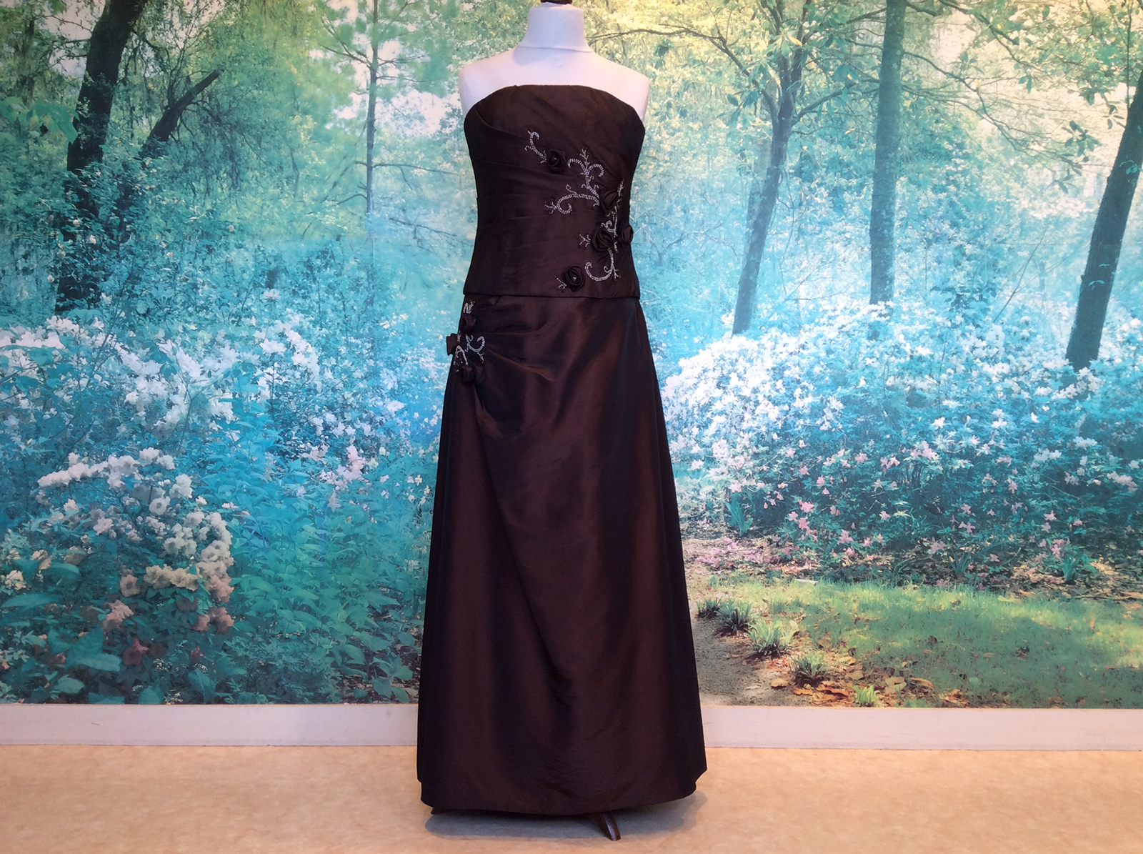 Robe bustier longue rebrodée de perles #1