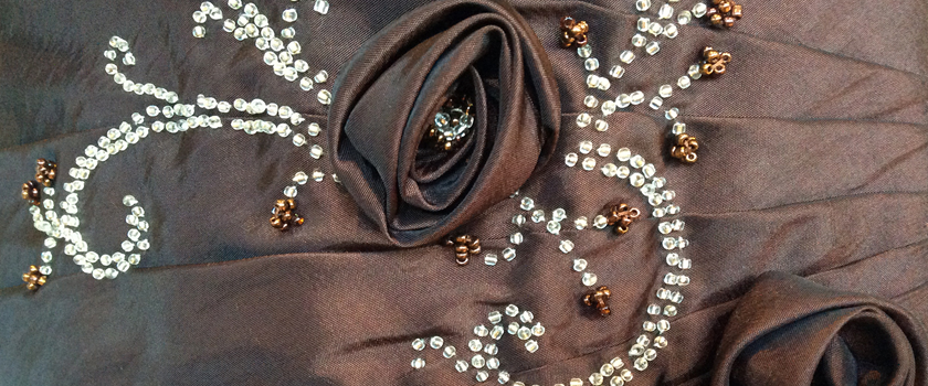 Robe bustier longue rebrodée de perles